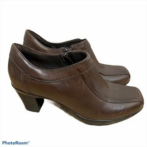 Clarks Leather Ankle Boots Brown 6 1/2 Women's